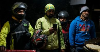 App-based food delivery men highlight India's growing gig economy-80