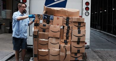 It's becoming clearer than ever that Amazon is developing a 3rd-party logistics service to edge out FedEx and UPS now that Stamps.com has dumped USPS