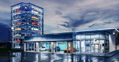 Carvana revs up online car buying service